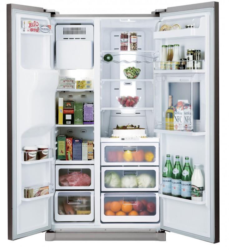 большой холодильник двухдверный