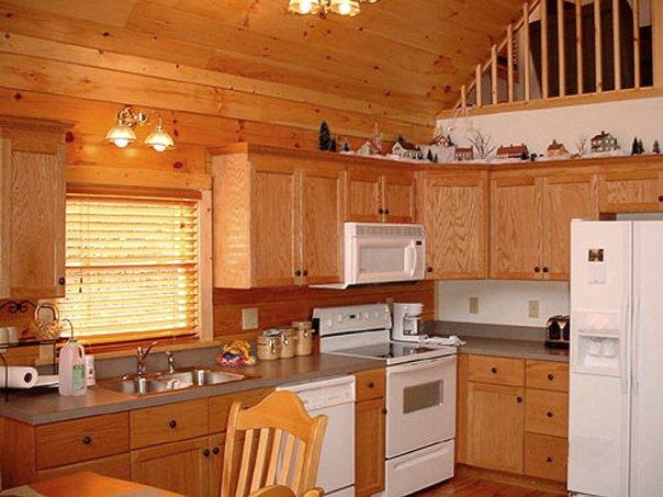 а так можно отделать кухню вагонкой