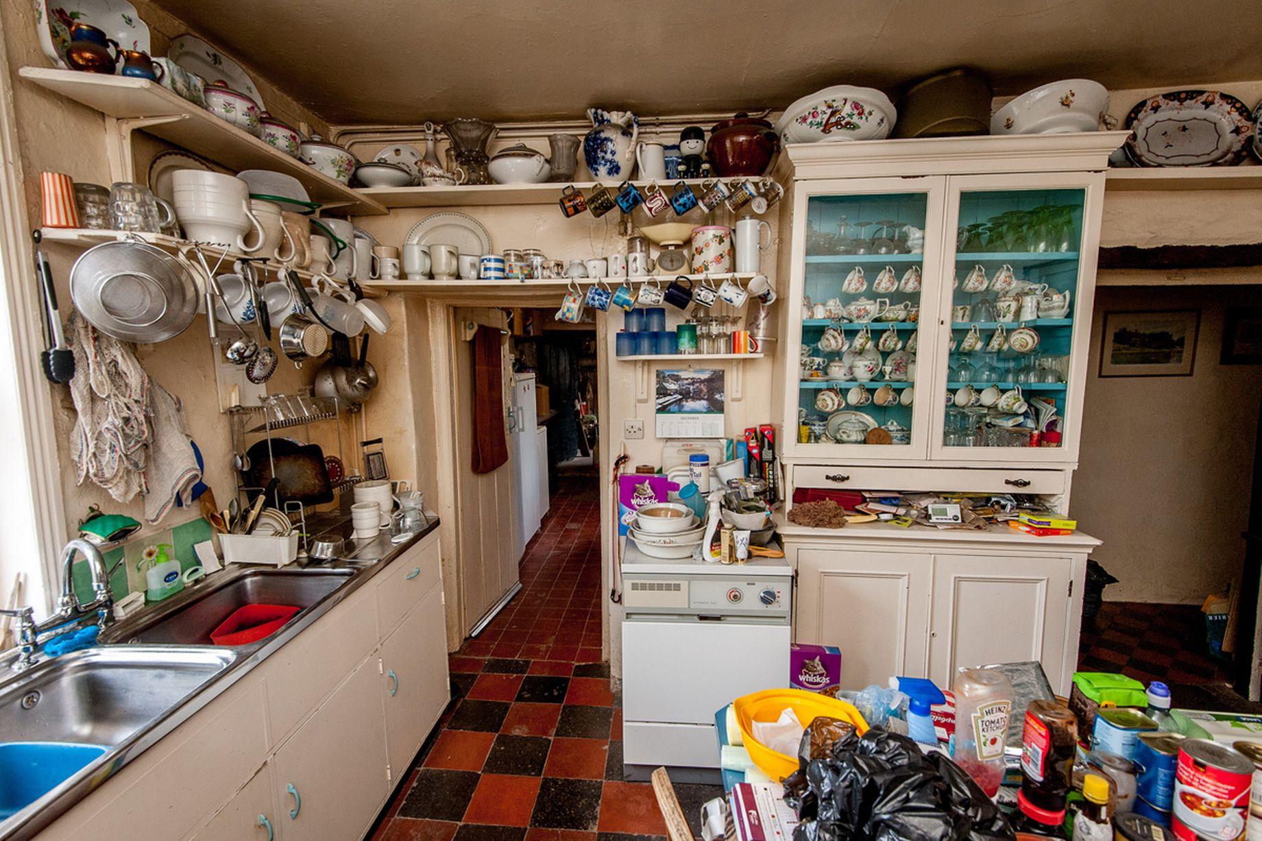 уборка кухна в доме