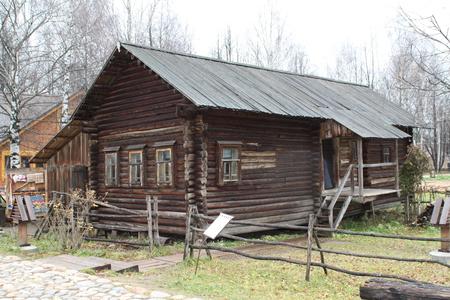 старый дом из бруса